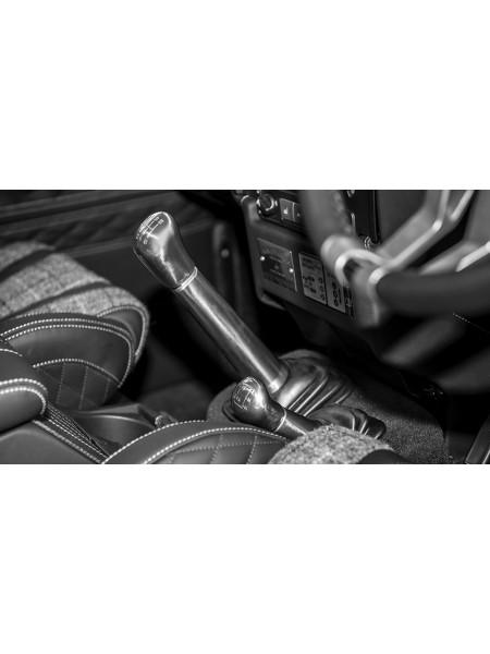 Рычаг переключения передач и ключ зажигания с хромированной отделкой от Kahn Design для Land Rover Defender