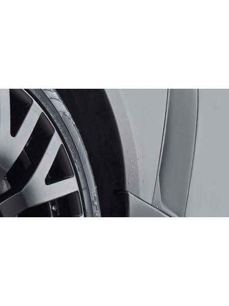 Боковые вентиляционные отверстия (жабры) со вставками из 3D-сетки от Kahn Design для Range Rover L405