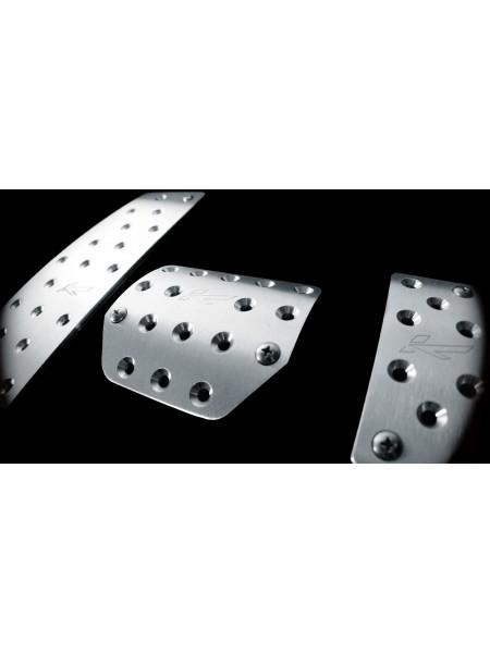 Вентилируемые ножные педали из обработанного алюминия от Kahn Design для Range Rover Sport 2010-2013