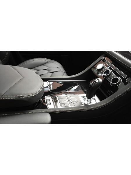 Отделка центральной консоли в коже или алькантаре от Kahn Design для Range Rover Sport L494